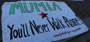 Kundgebung vor US-Botschaft in Berlin 2017 - Mumia you'll never walk alone